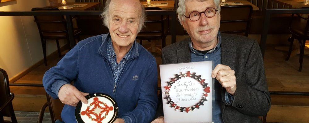 Buurtwetertegel voor Jan Hinfelaar en Jan Smeekens